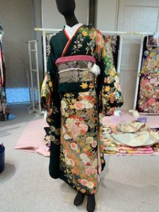 4月1日、川平屋豊田店も新入社員が入社いたしました!